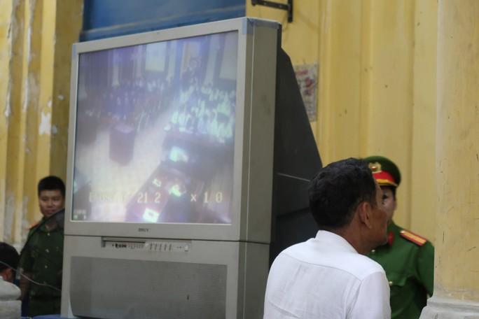 Đại gia Hứa Thị Phấn vắng mặt trong phiên xử Trầm Bê - Ảnh 3.