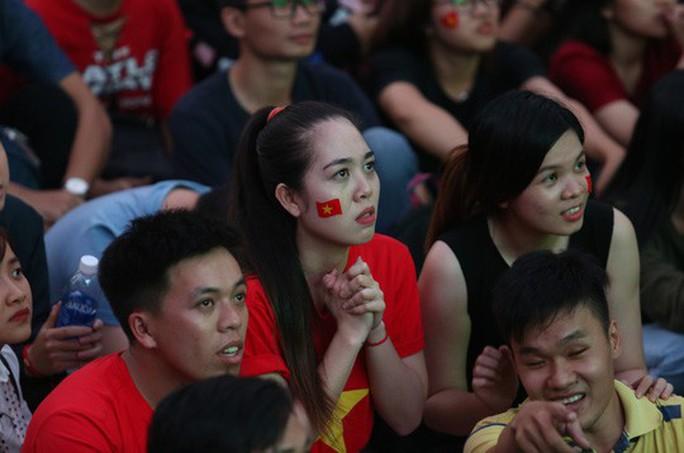 Muôn vạn cảm xúc trước chiến thắng của U23 Việt Nam - Ảnh 7.