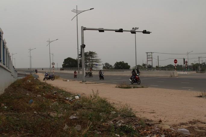Cảnh loạn xà ngầu ở BOT cầu Đồng Nai - Ảnh 8.