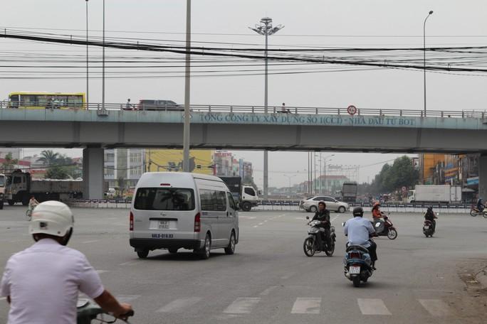 Cảnh loạn xà ngầu ở BOT cầu Đồng Nai - Ảnh 6.