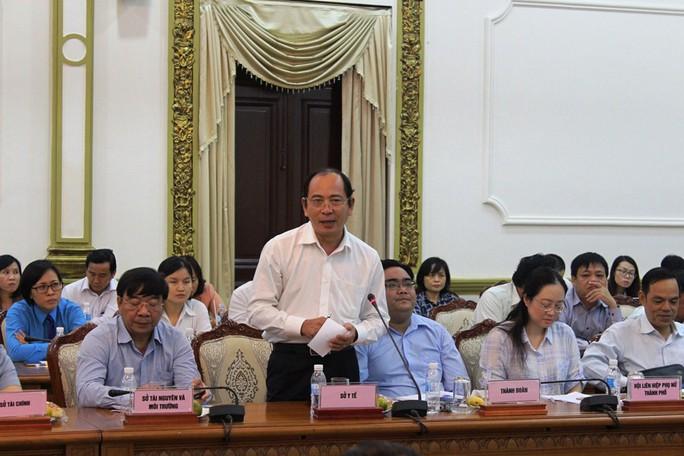 Bác sĩ phụ sản tố phòng khám Trung Quốc vẽ bệnh lấy tiền - Ảnh 2.