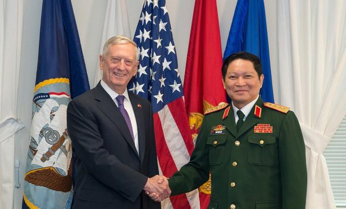 Quan hệ quốc phòng Việt - Mỹ đang ở đâu? - Ảnh 1.
