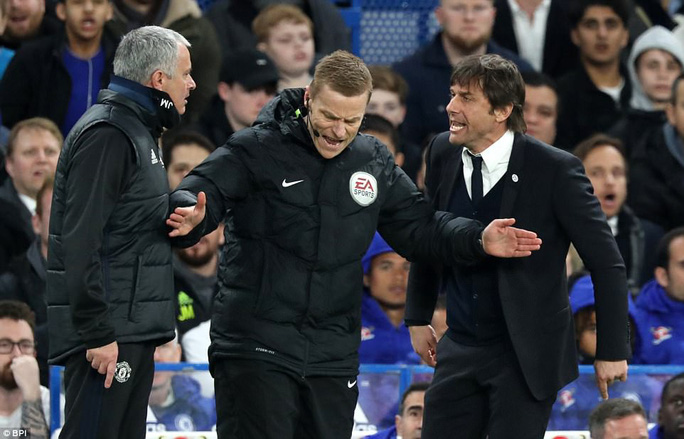 HLV Conte: Mourinho là kẻ giả dối, bé nhỏ! - Ảnh 3.