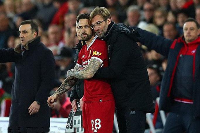 Ra mắt siêu trung vệ, Liverpool gục ngã trước Swansea - Ảnh 2.