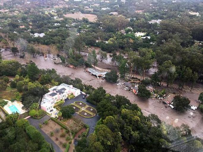 Khu vực Montecito nhìn từ trên cao. Ảnh: AP