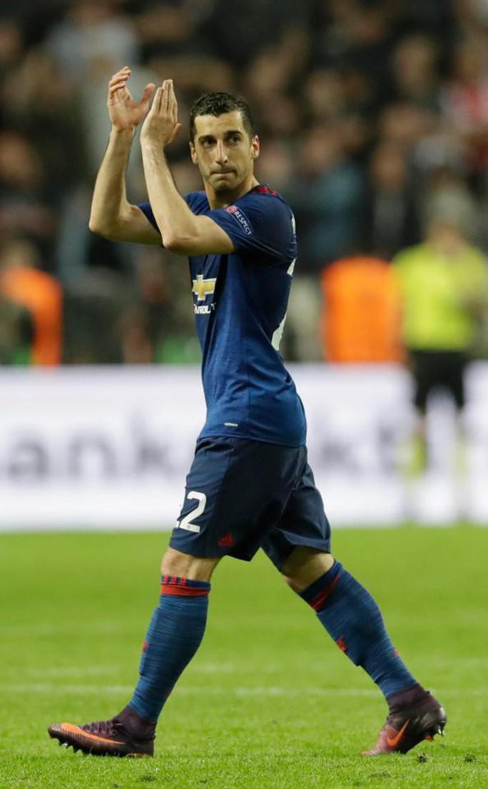 Sanchez mặc áo số 7, tự sướng ở Old Trafford - Ảnh 2.