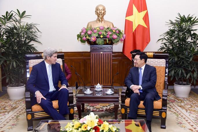 Phó Thủ tướng tiếp cựu Ngoại trưởng Mỹ John Kerry - Ảnh 2.