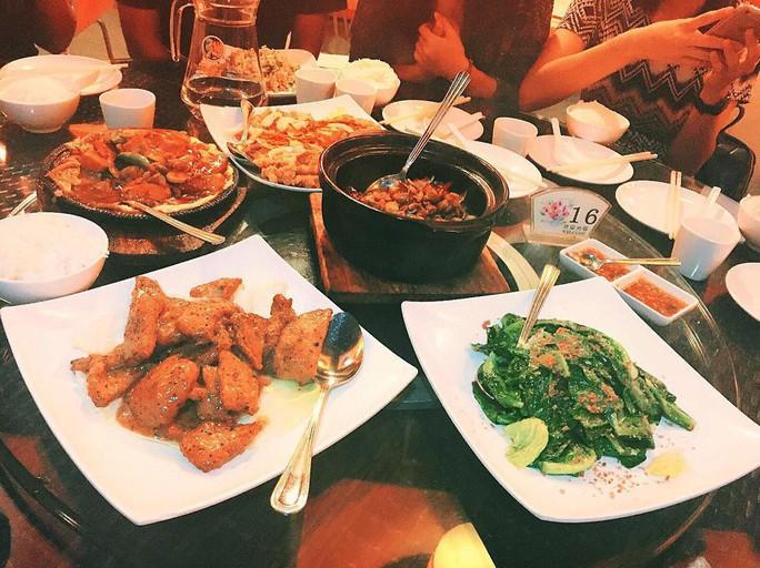 Khu ăn uống sang trọng khó tin của ĐHQG Singapore - Ảnh 3.