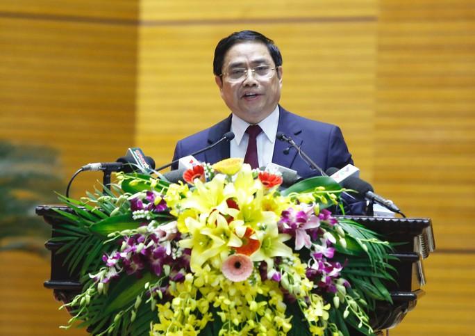 Bầu cử, điều động, luân chuyển 5 Ủy viên Bộ Chính trị, Ban Bí thư - Ảnh 2.