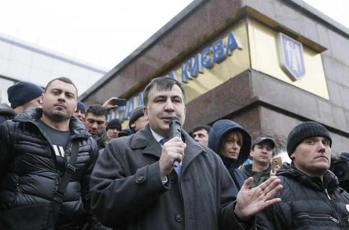 Cựu tổng thống Georgia Saakashvili bị kết án tù - Ảnh 1.