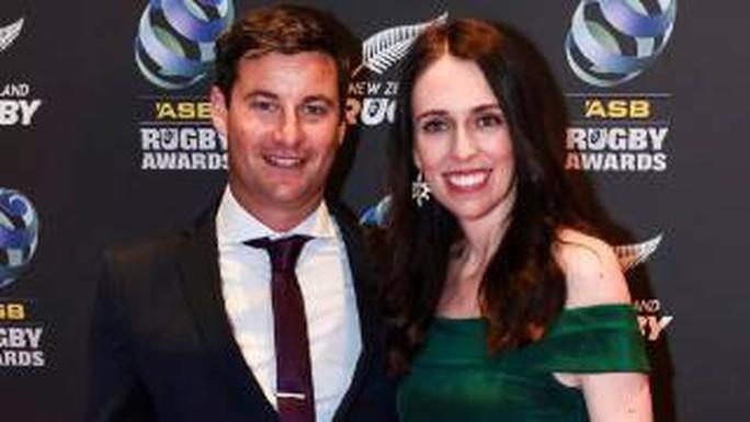 Thủ tướng New Zealand bất ngờ tiết lộ có bầu - Ảnh 1.