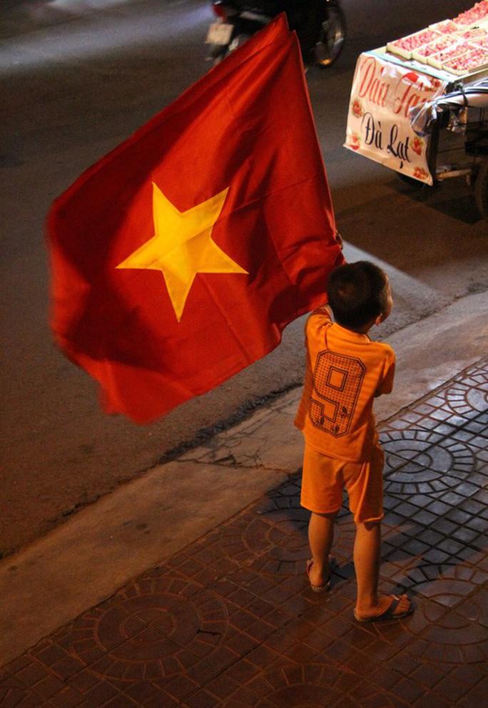 Muôn vạn cảm xúc trước chiến thắng của U23 Việt Nam - Ảnh 41.