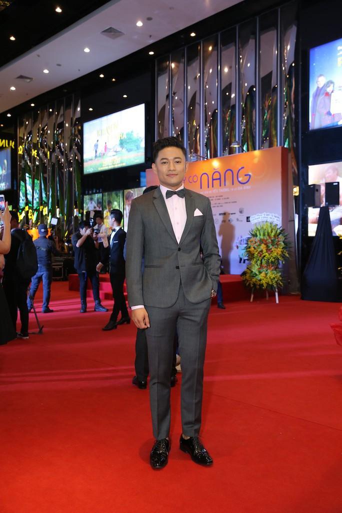 Sao Việt tụ hội chúc mừng cha con Quý Bình - Ảnh 1.