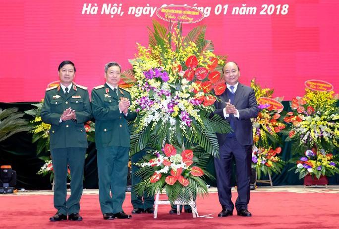 Thủ tướng dự lễ ra mắt Bộ Tư lệnh Tác chiến không gian mạng - Ảnh 2.