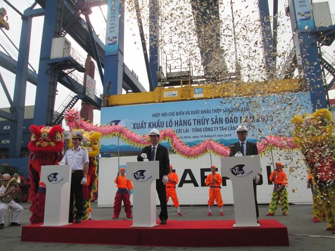 Xuất khẩu lô hàng thủy sản đầu tiên năm 2018 - Ảnh 1.