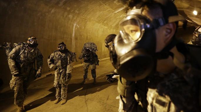 Mỹ luyện quân đối phó độc chiêu hầm ngầm của Triều Tiên - Ảnh 1.