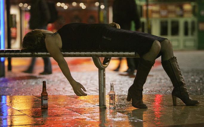 Người có thể biến đổi gen vì uống rượu - Ảnh 1.