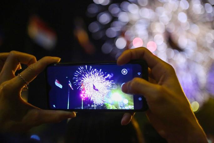 Clip: TP HCM tưng bừng đón năm mới 2019 - Ảnh 15.