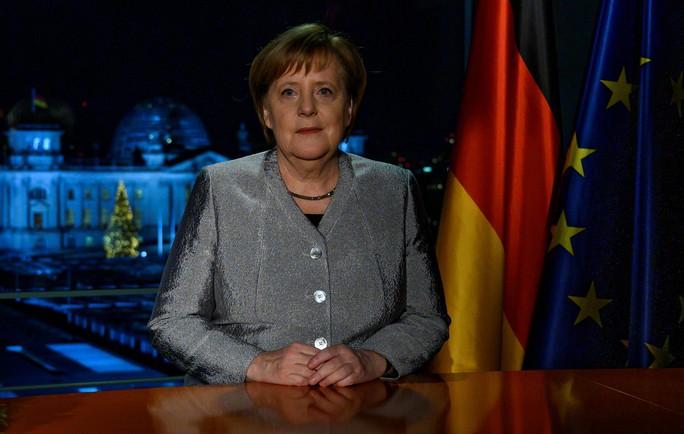 Thông điệp năm mới: Bà Merkel trách Tổng thống Trump - Ảnh 1.