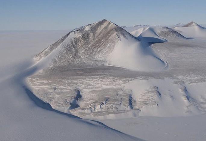 5 bí ẩn ma quái nhất ở vùng đất băng vĩnh cửu - Ảnh 3.