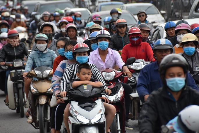 Tai nạn giao thông tăng vọt dịp Tết tây - Ảnh 1.