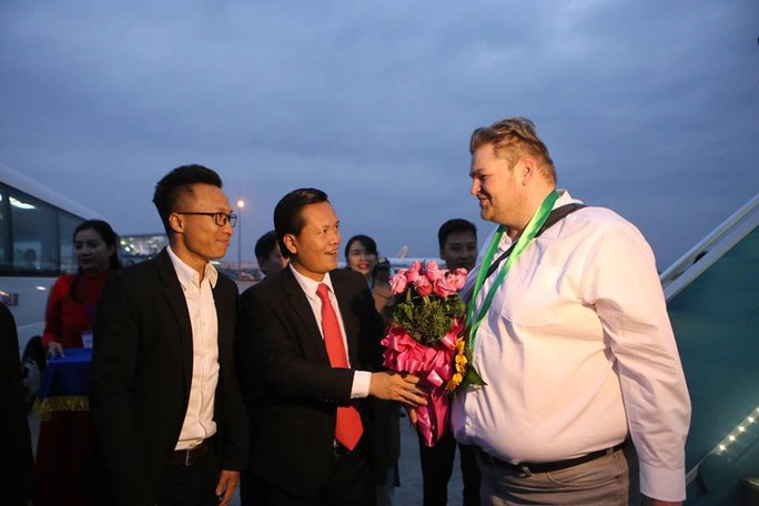 TP HCM, Hà Nội đón khách quốc tế đến xông đất - Ảnh 1.