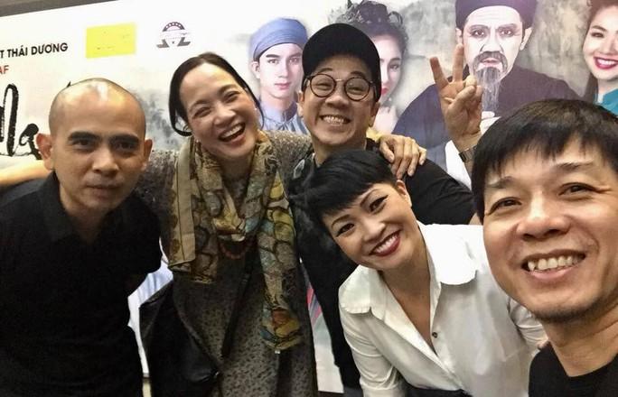 Nghệ sĩ đồng nghiệp phấn khởi chúc mừng Tiên Nga đoạt giải Mai Vàng - Ảnh 3.