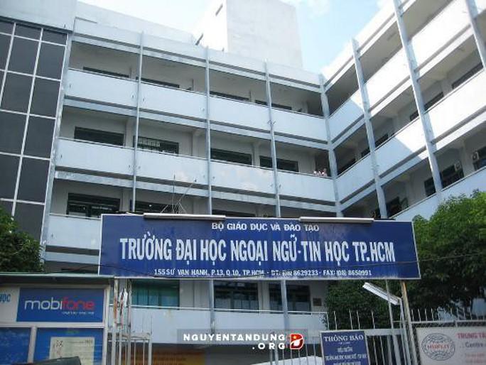 Phó hiệu trưởng Trường ĐH Ngoại ngữ- Tin học TP HCM sẽ ký bằng cho sinh viên - Ảnh 1.