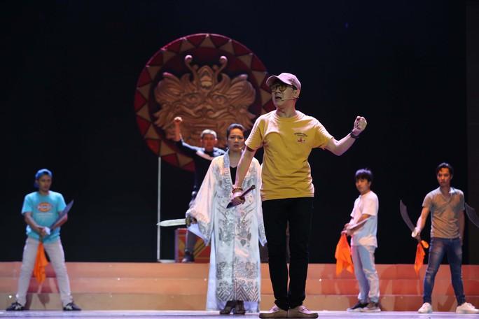 Trước giờ G Lễ trao giải Mai Vàng: Tâm sự của NSƯT Thành Lộc, Lê Khánh - Ảnh 5.