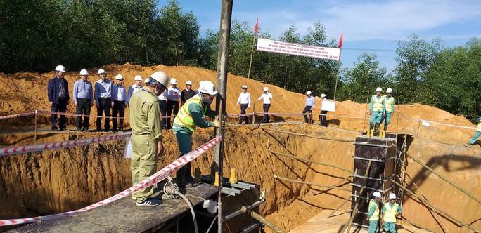 Kiểm tra tiến độ công trình đường dây 500 kV Quảng Trạch – Dốc Sỏi - Ảnh 1.