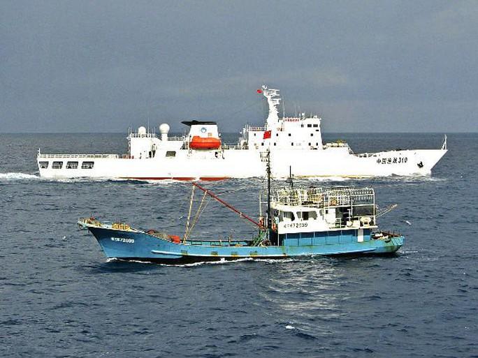 Philippines tố hải quân Trung Quốc đội lốt ngư dân hoạt động tại Trường Sa - Ảnh 1.