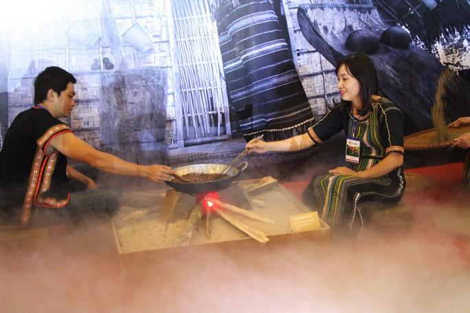 Hoa hậu H'Hen Niê làm đại sứ truyền thông của Lễ hội Cà phê Buôn Ma Thuột - Ảnh 3.