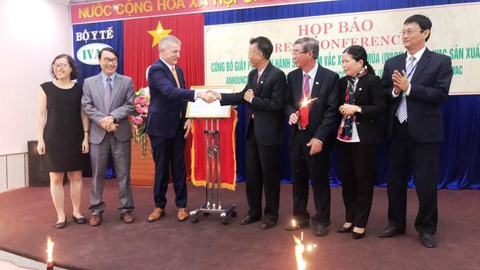 Đưa vắc-xin phòng cúm mùa made in Việt Nam vào lưu hành - Ảnh 2.