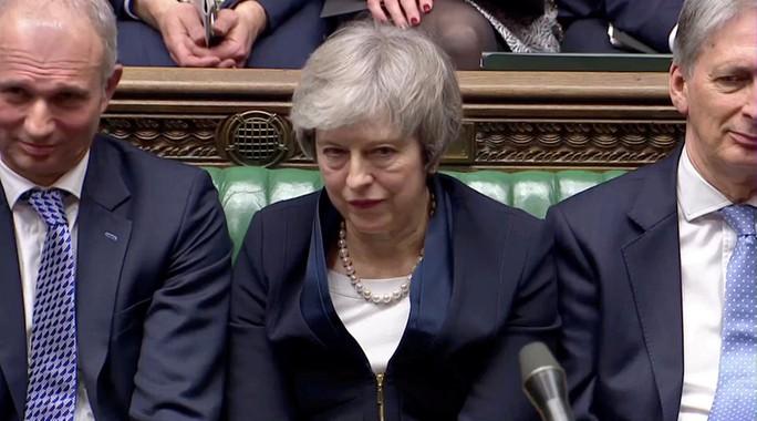 Brexit: Thủ tướng Anh thất bại chấn động, đối mặt nguy cơ mất chức - Ảnh 1.