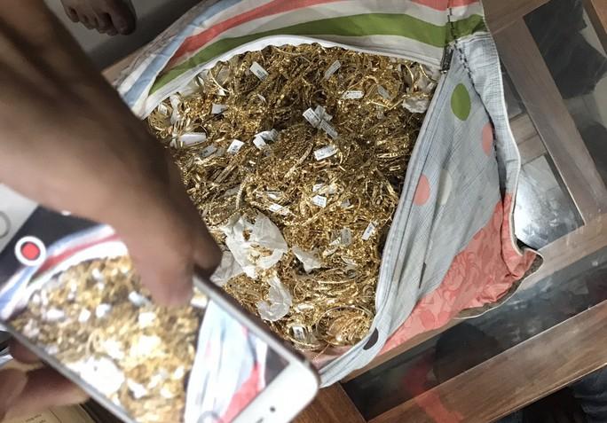 Chủ tiệm bị trộm 430 lượng vàng ở Quảng Nam nói gì? - Ảnh 3.