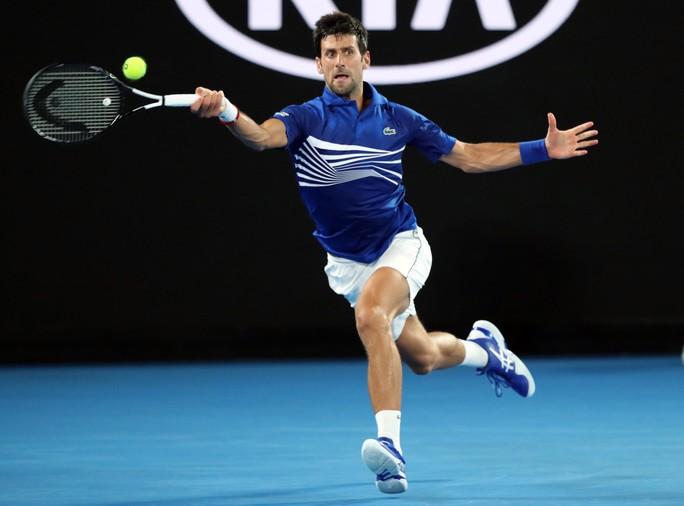 Clip: Djokovic đè bẹp Tsonga, 3 tài năng nam rơi rụng - Ảnh 1.