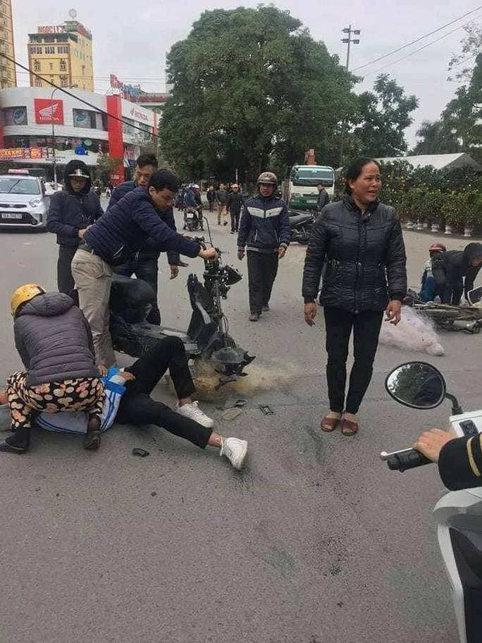 Thực hư việc CSGT Thanh Hóa quăng lưới trúng học sinh té ngã - Ảnh 2.