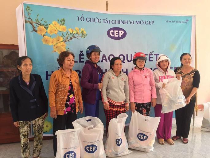 CEP Vĩnh Long tặng quà Tết cho thành viên nghèo - Ảnh 1.