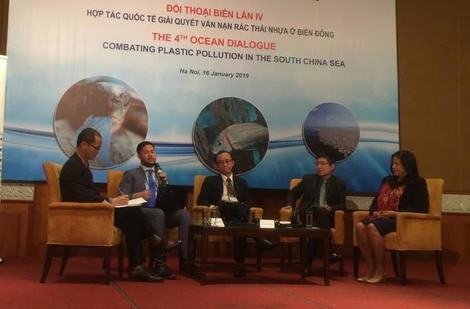 Các quốc gia lúng túng khi Trung Quốc ngừng nhập rác thải nhựa - Ảnh 1.