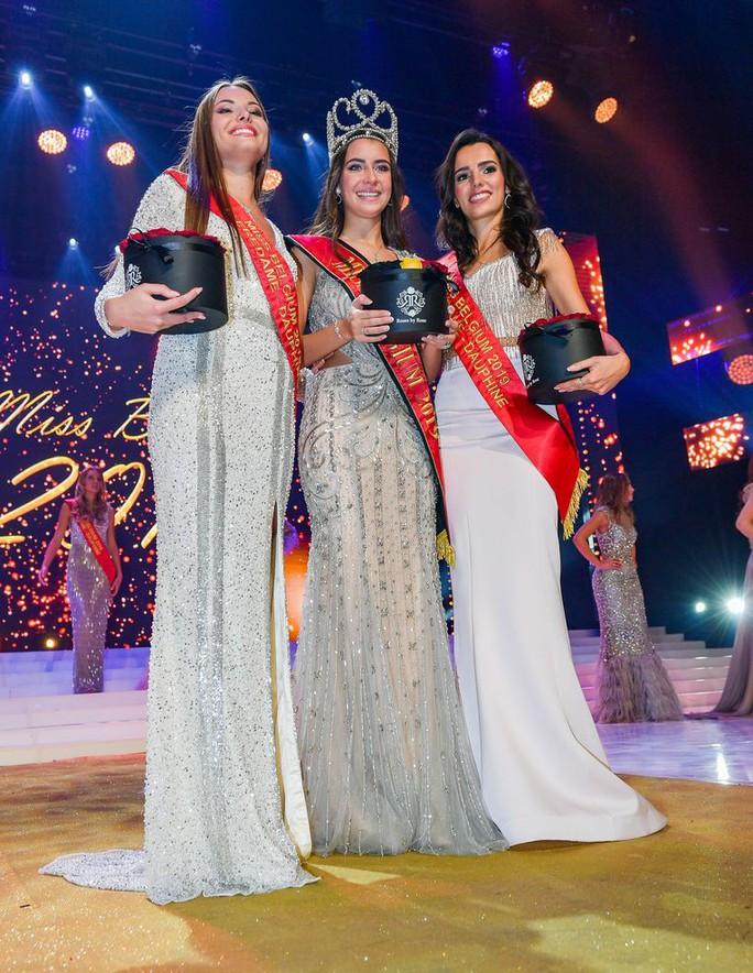 Nhan sắc lộng lẫy của tân Hoa hậu Bỉ - Ảnh 4.