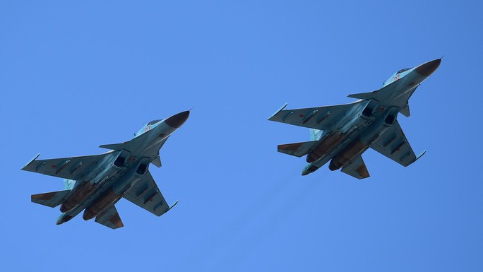 Nga: 2 chiến đấu cơ Su-34 đụng nhau trên không, phi công mất tích - Ảnh 1.