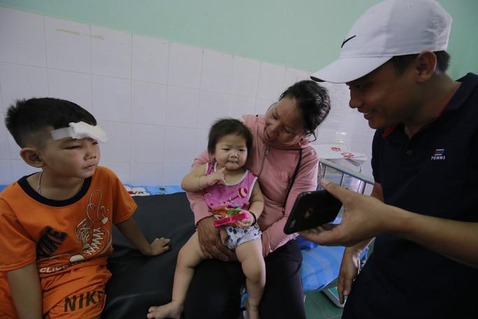 Hơn 1 tỉ đồng hỗ trợ 3 cháu bé có cha mẹ tử nạn dưới bánh xe container: Lan tỏa tình yêu thương - Ảnh 1.