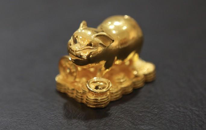 Đua nhau săn heo vàng may mắn dịp cuối năm  - Ảnh 1.