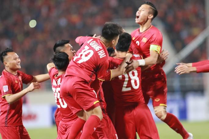 Tiền đạo Malaysia nhận án phạt nặng sau chung kết AFF Cup thua Việt Nam - Ảnh 3.