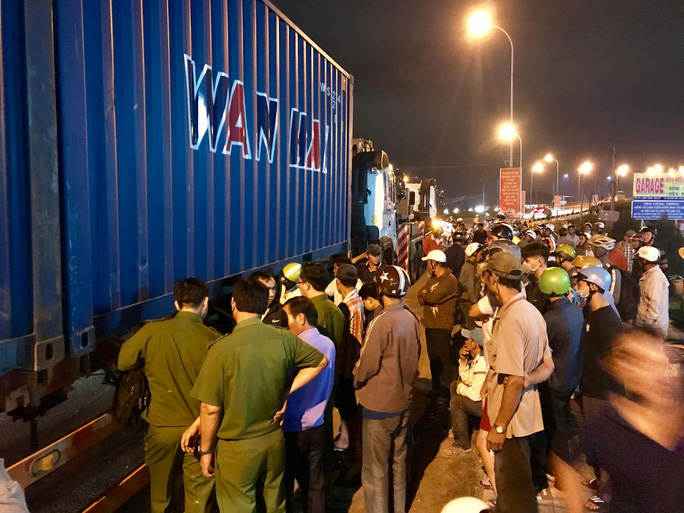 Vụ tai nạn ở Long An: Phó Thủ tướng Trương Hòa Bình yêu cầu làm rõ, xử lý nghiêm - Ảnh 2.