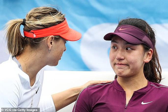 Maria Sharapova an ủi mỹ nữ Trung Quốc vì chấn thương - Ảnh 2.