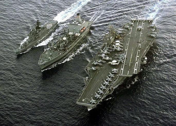 Tướng Trung Quốc dọa đánh chìm 2 tàu sân bay Mỹ ở biển Đông - Ảnh 1.