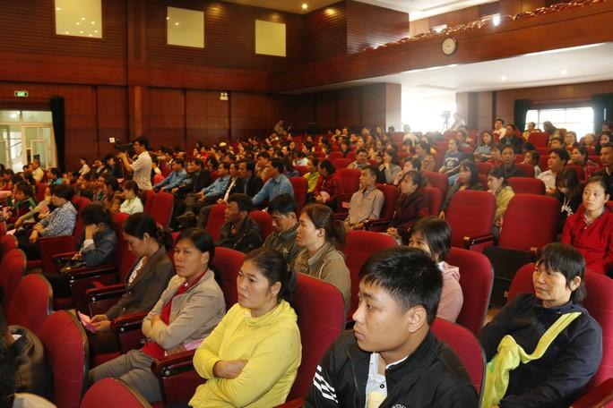 Tết sum vầy ấm áp, hơn 3,5 tỉ đồng đến với công nhân Quảng Nam - Ảnh 1.