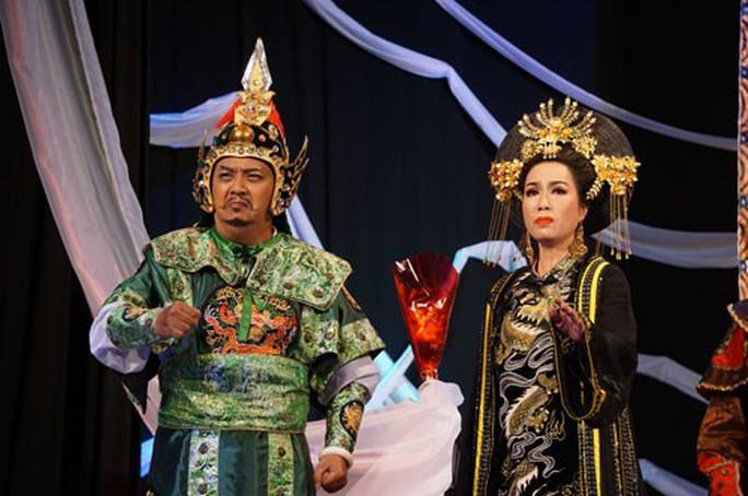Thái hậu Dương Vân Nga trên Sân khấu Trịnh Kim Chi - Ảnh 1.