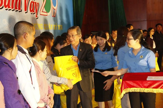 Tết sum vầy ấm áp, hơn 3,5 tỉ đồng đến với công nhân Quảng Nam - Ảnh 5.